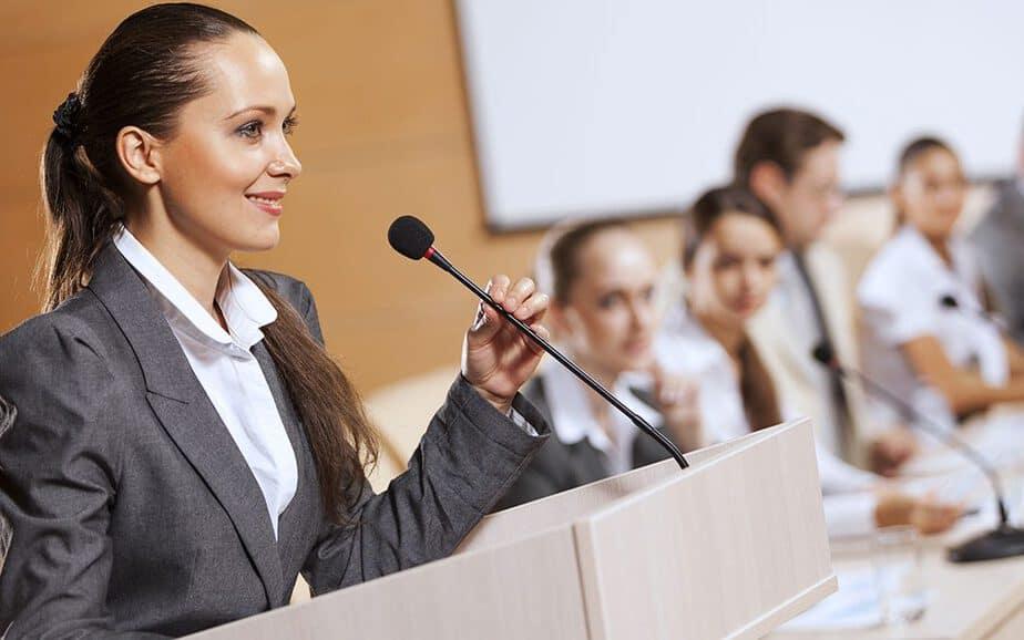 การพูดให้ประสบผลสำเร็จ ต้องพูดให้น่าสนใจ