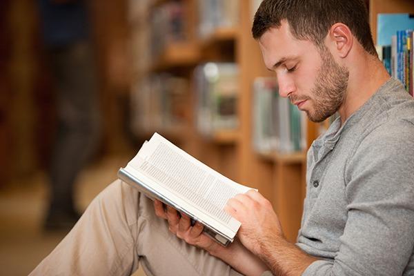 ประโยชน์ของการอ่านหนังสือ ช่วยพัฒนาสมองและฝึกสมาธิ