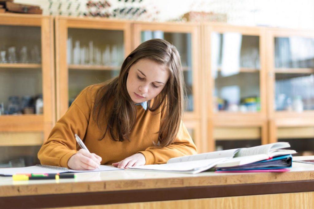 เทคนิคการเรียนเก่ง ที่ต้องใช้ความทุ่มเทและพัฒนาทักษะของตัวเอง