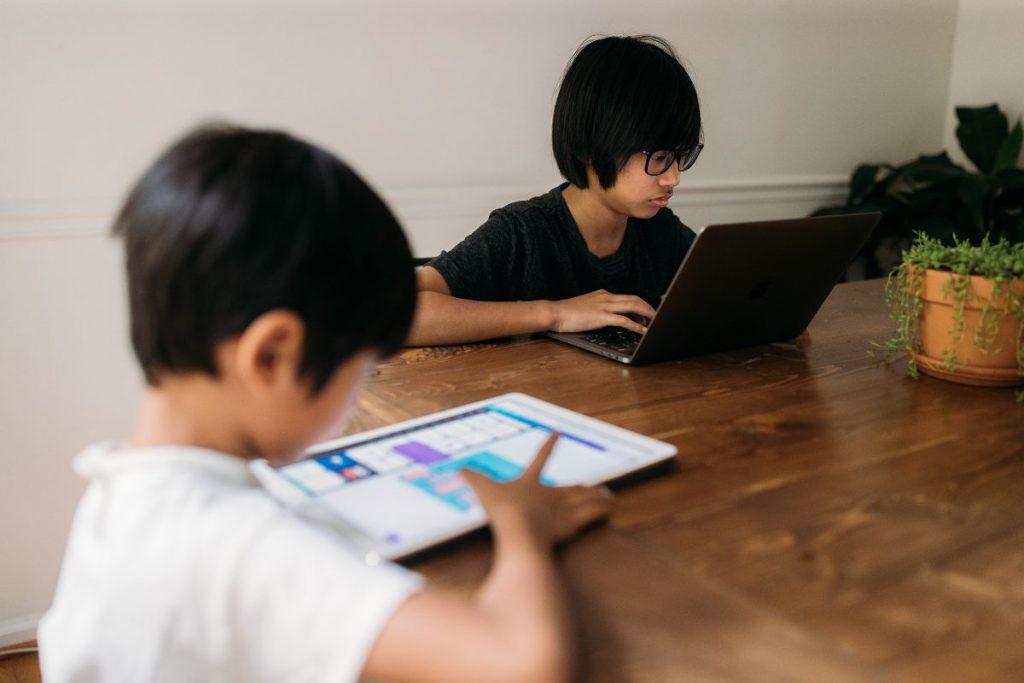 วิธีแก้ปัญหานักเรียนไม่เรียนออนไลน์