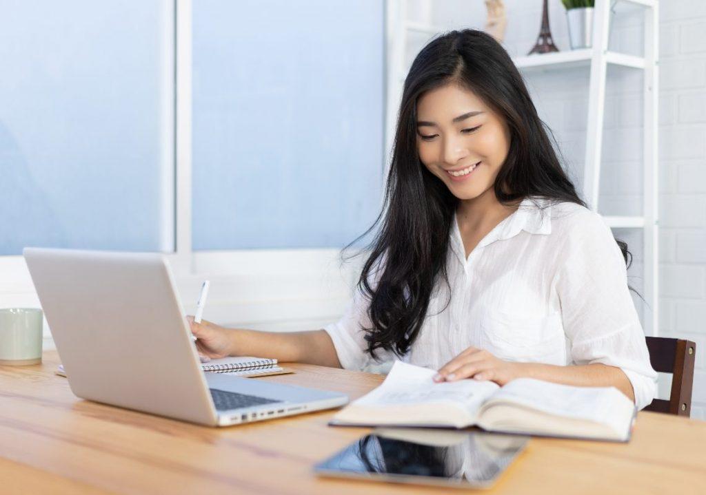 การเรียนออนไลน์ในช่วงโควิด โดยทักษะวิชาการเป็นเรื่องที่สำคัญ